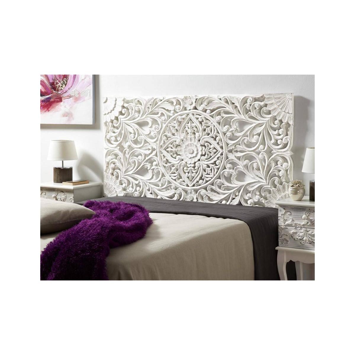 Cabecero de cama madera blanca tallada for Camas blancas de madera