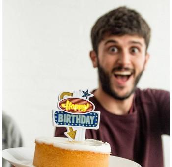 Letrero Happy Birthday con luz tartas y pasteles